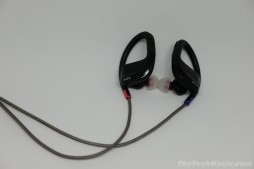 adv_evox_earpiece2