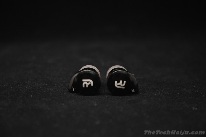 rock_jaw_resonate_earpiece1