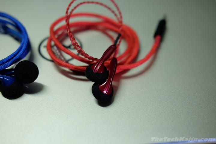demun_blue_red_earpieces
